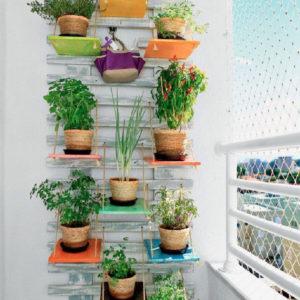 53-Mindblowingly-Beautiful-Balcony-Decorating-Ideas-to-Start-Right-Away-homesthetics.net-decor-ideas-42