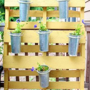 wood-pallet-garden-decorations-outdoor-furniture-1