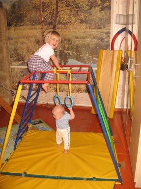 Спортивный уголок в детской комнате, варианты с фото